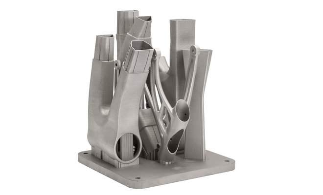 Tak wyglądają tytanowe elementy ramy wydrukowane w procesie laserowego spiekania proszku.  Materiały prasowe - Copyright Renishaw.